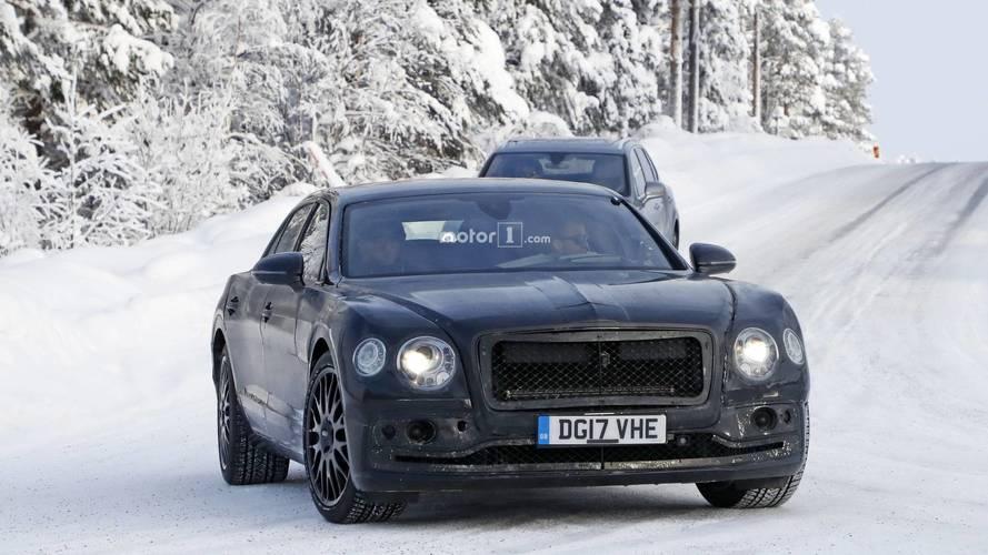 [GÜNCEL] Bentley Flying Spur'un daha az kamuflajlı hali görüntülendi