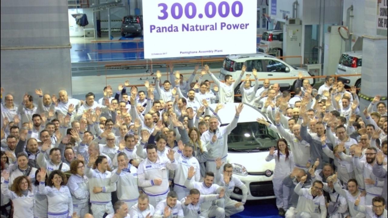 [Copertina] - Fiat porta a Ginevra la Panda a metano… da record