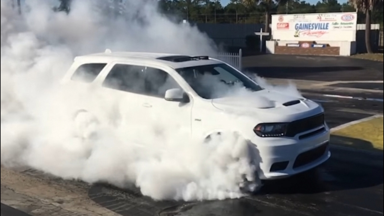 [Copertina] - Dodge Durango SRT, un burnout infinito [VIDEO]