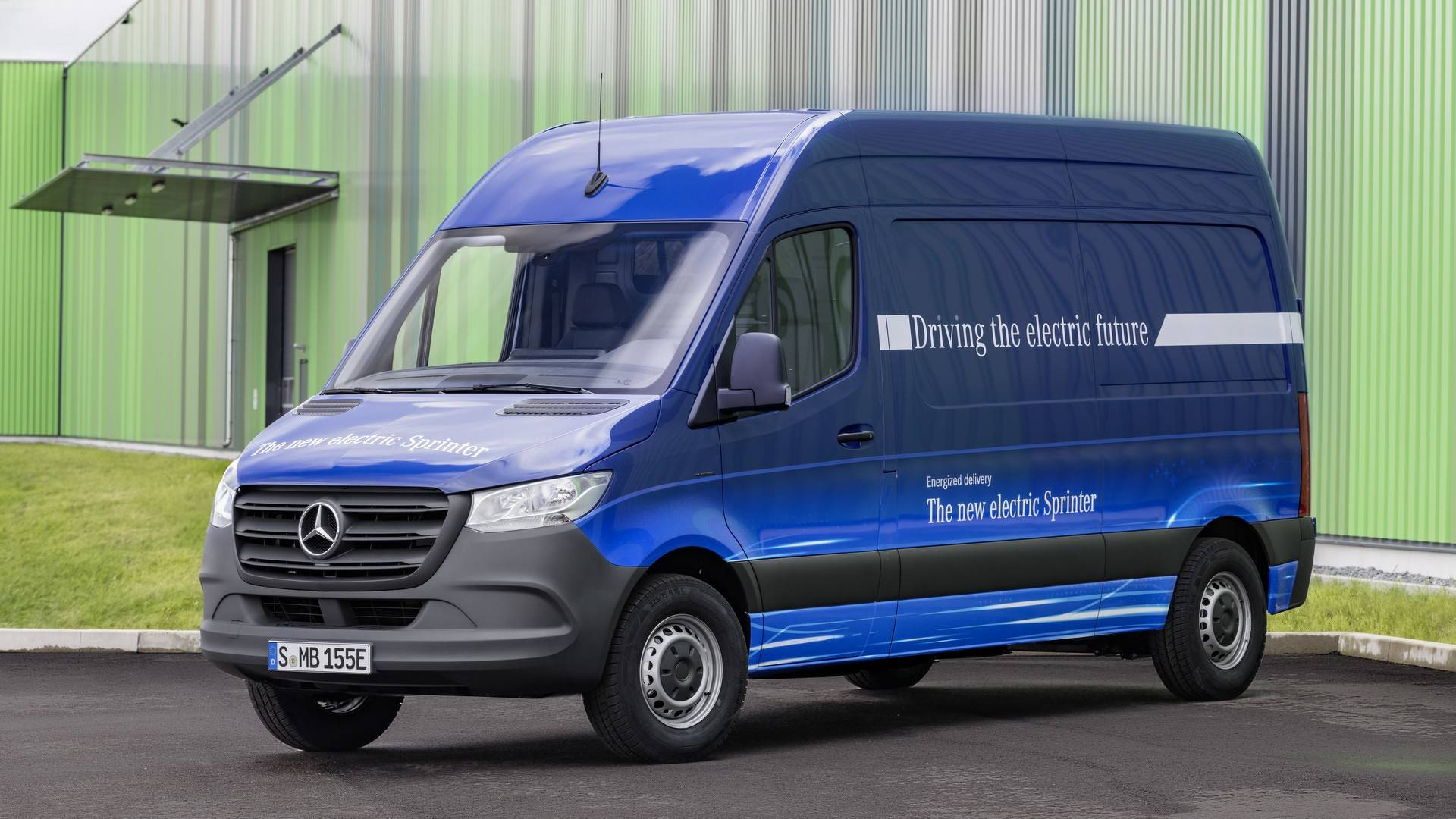 7f30cdaba313a4 2018 Mercedes Sprinter Debuts With 1