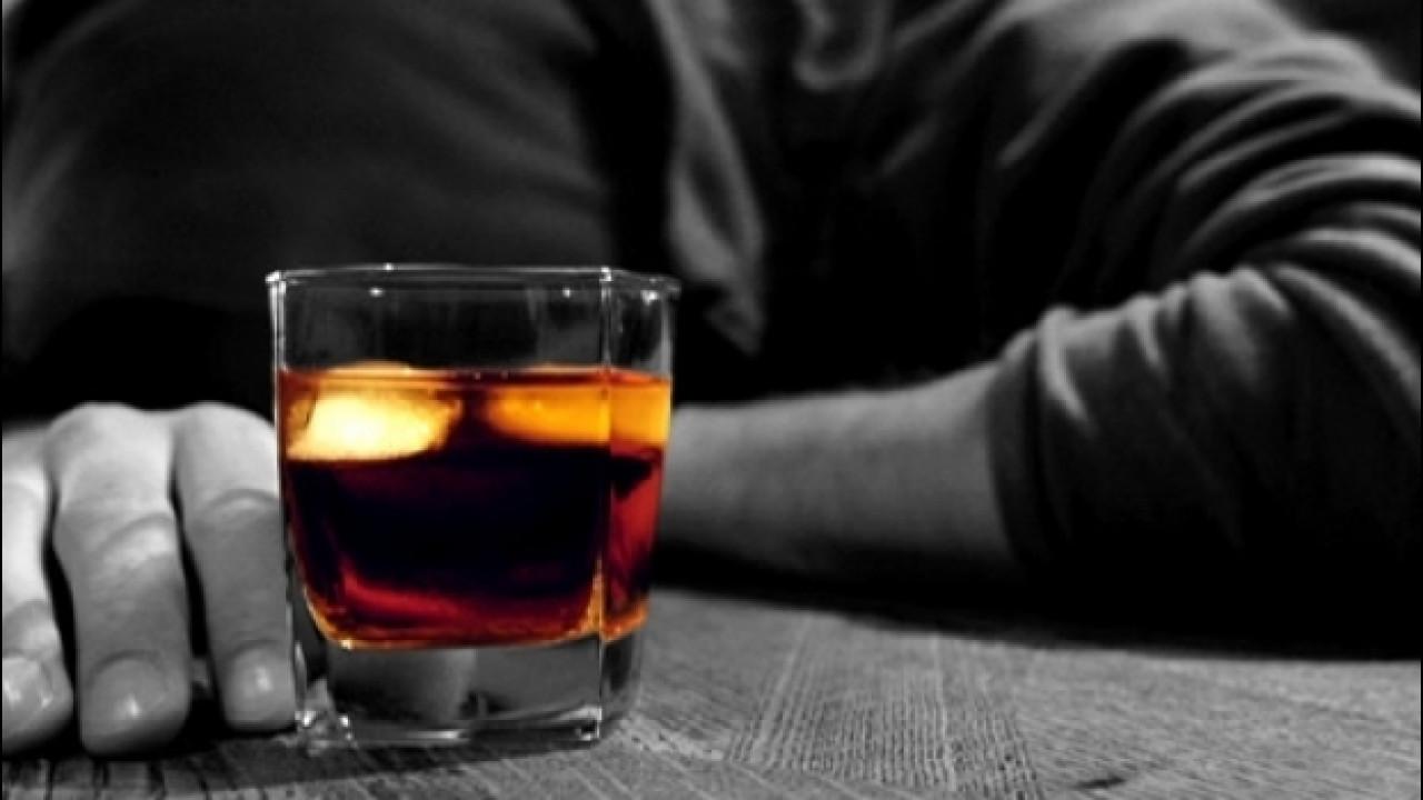 [Copertina] - Guida autonoma, negli USA pensano che farà aumentare l'alcolismo