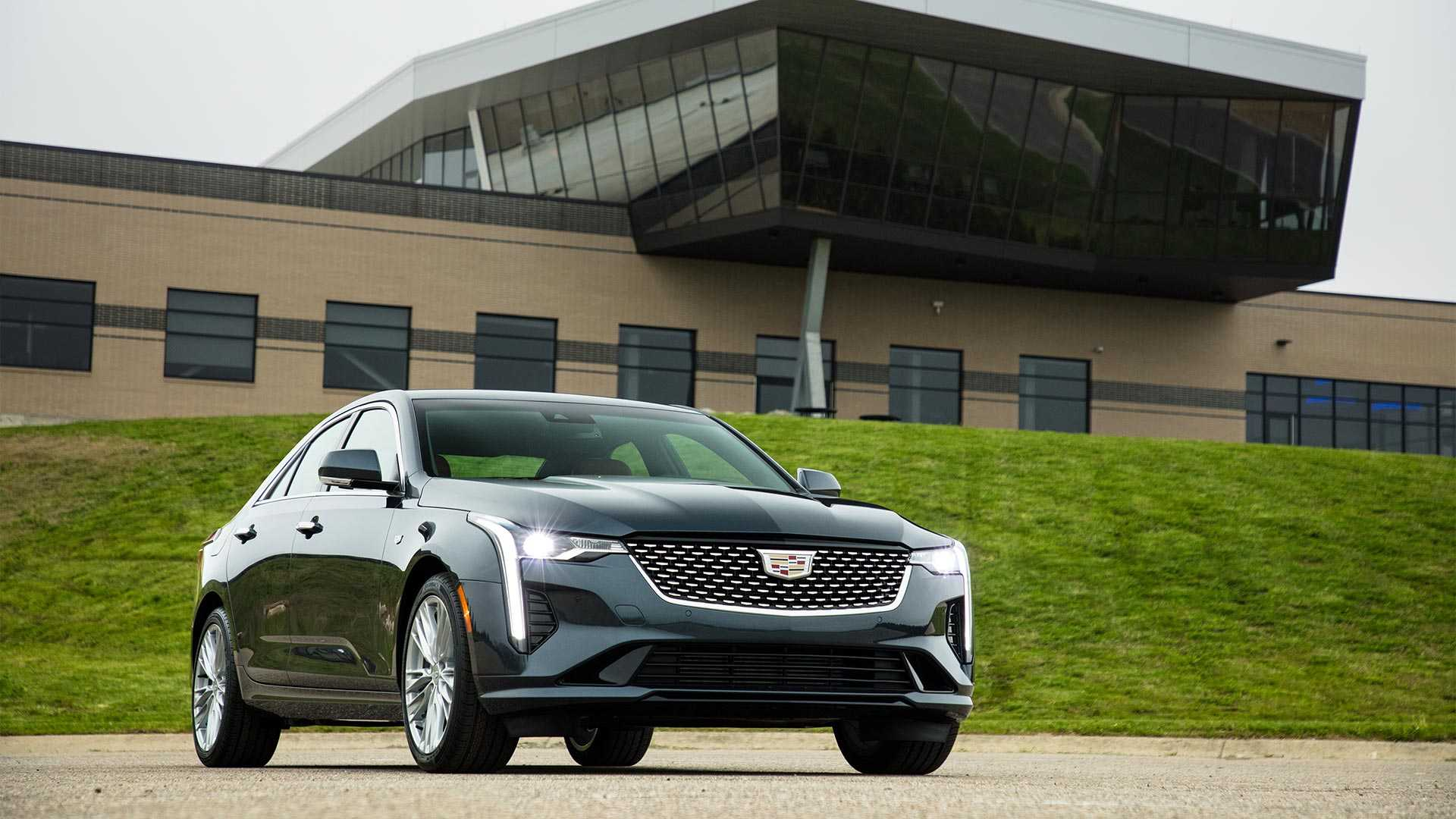 Cadillac Ct4 Starts At 33 900 Goes On Sale In 2020