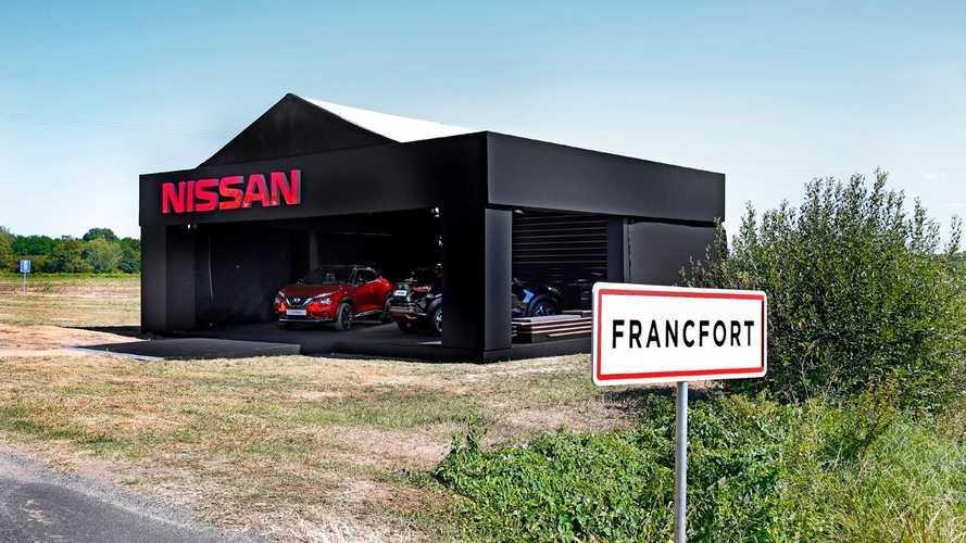 Посмотрите, как Nissan попыталась пошутить над выставкой во Франкфурте