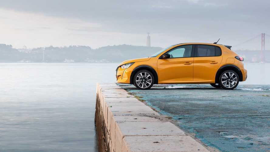 Le marché français des ventes de voitures neuves s'effondre en mars