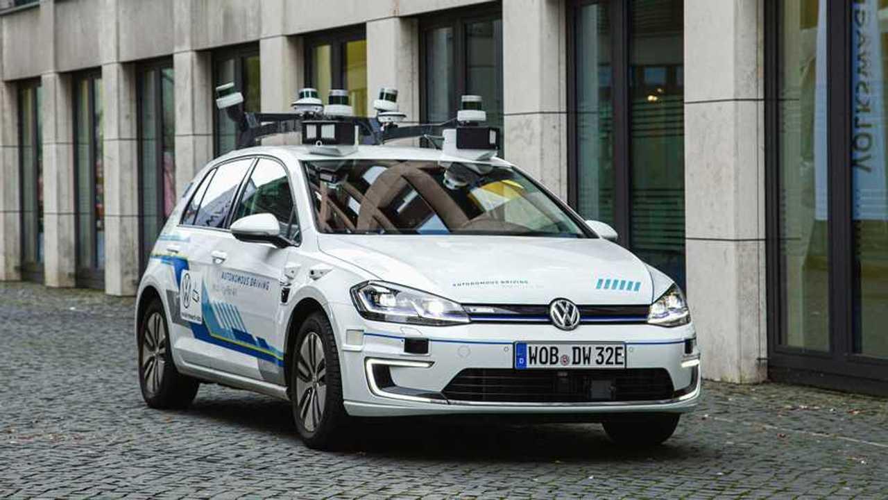 Volkswagen testet autonomes Fahren in Hamburg