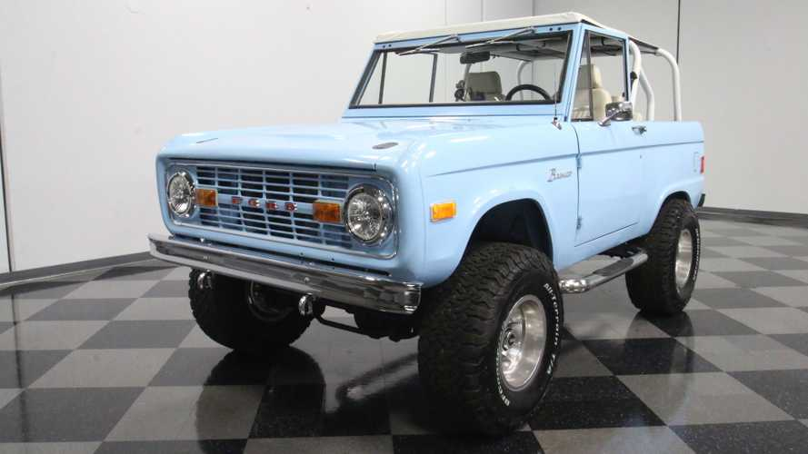 Turn Fantasy Into Reality With This Gorgeous 1977 Ford Bronco 4x4