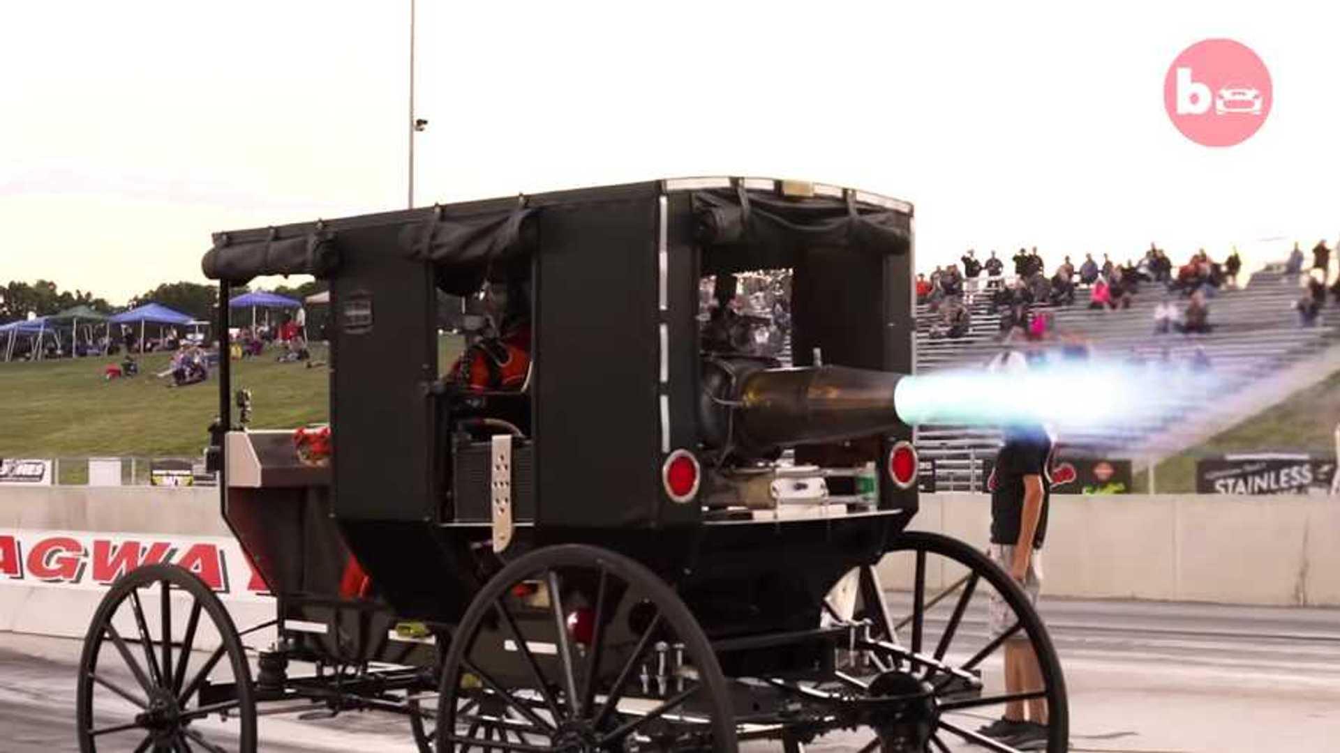 La carroza amish con un reactor es lo más loco que verás hoy
