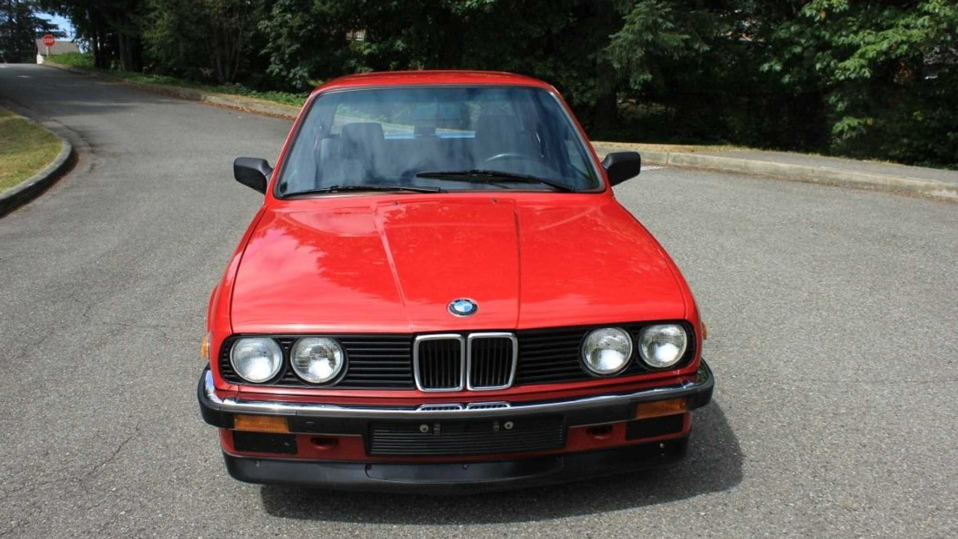 "[""Roast Some Tires In This 1986 BMW 325e M-Class Sedan""]"
