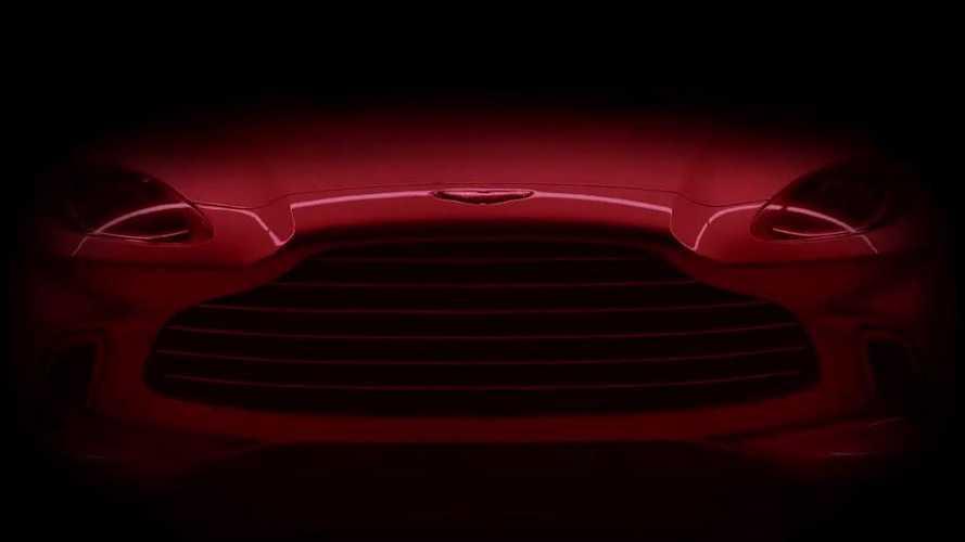 VIDÉO - L'Aston Martin DBX montre une partie de son visage