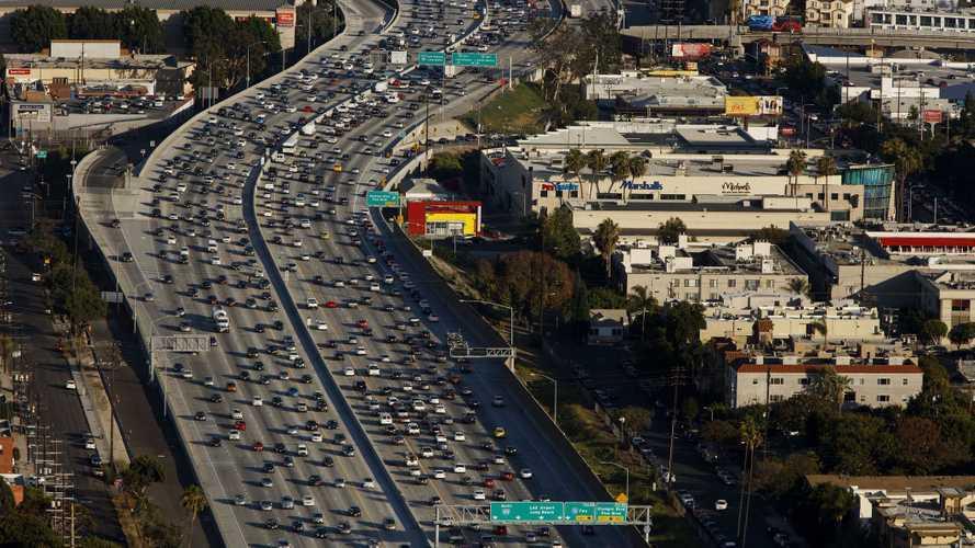Auto elettriche, a Los Angeles saranno l'80% del mercato entro il 2028