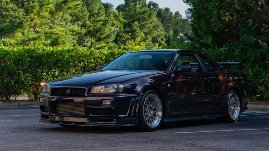 Grab This US-Legal 1999 Nissan Skyline GT-R