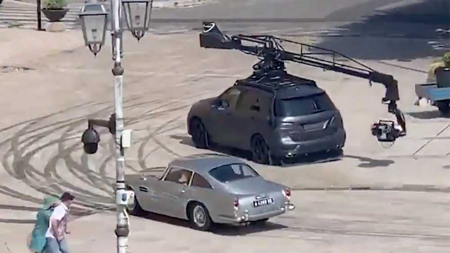 Sinister Mercedes GLE camera car seen chasing DB5 on 007 film set