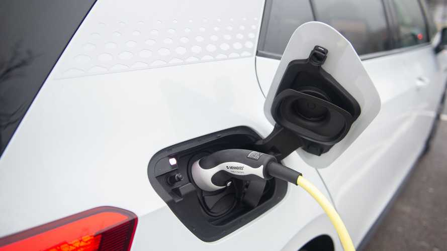Goldman Sachs scommette sull'auto elettrica: focus su Tesla e VW
