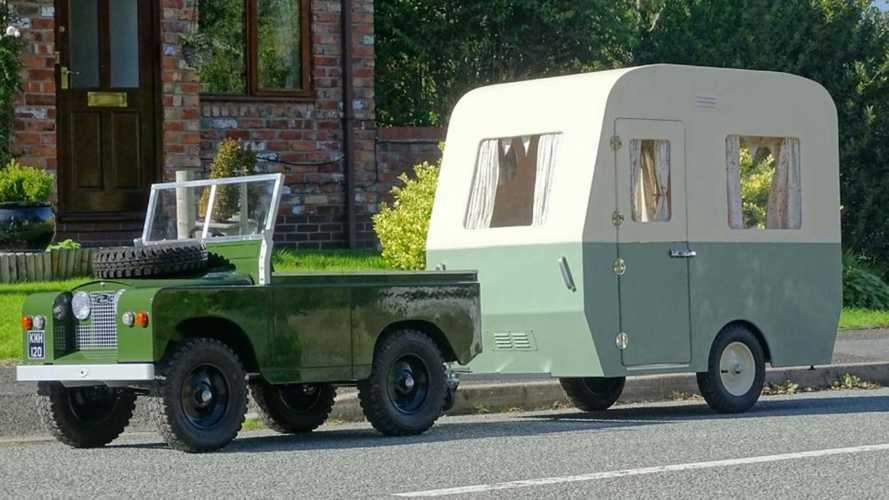 Land Rover Toylander et sa caravane