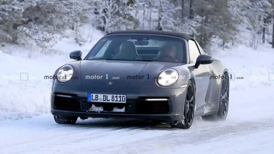 Porsche 911 Targa spy photos