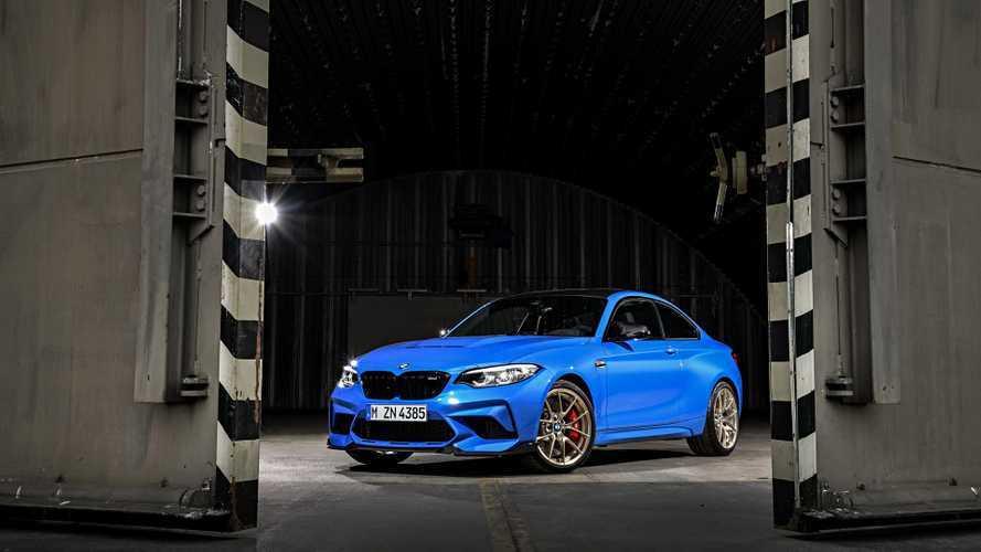 BMW M2 CS tem 445 cv e câmbio manual de 6 marchas