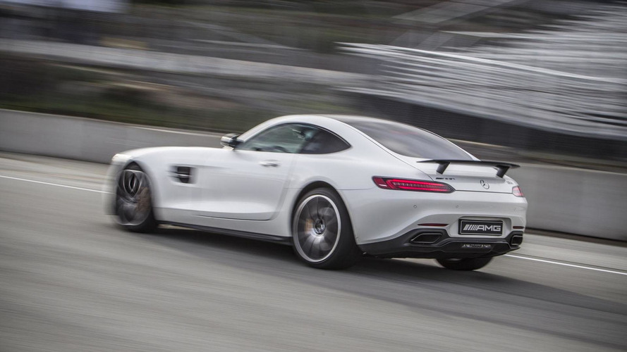 Bernd Schneider laps Laguna Seca in the Mercedes-AMG GT S [360° videos]