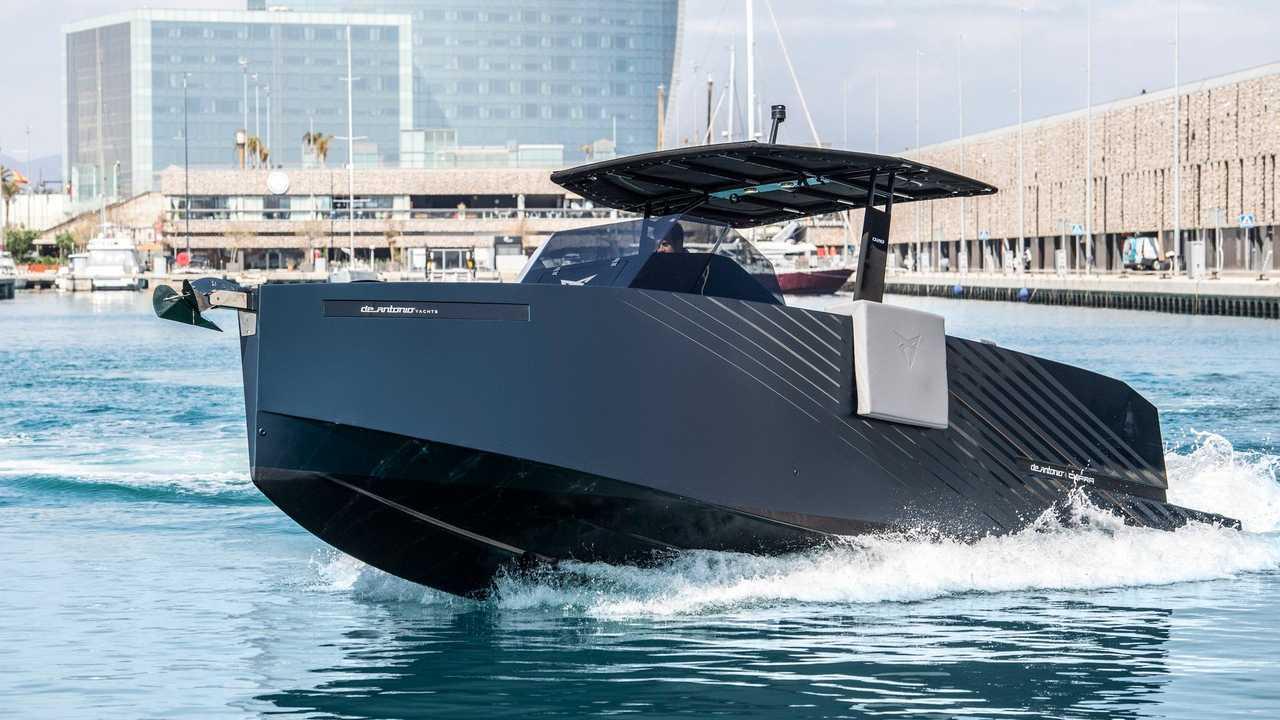 CUPRA D28 Formentor yate deportivo español