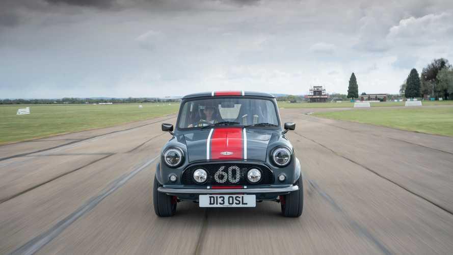 La Mini Cooper anni '60 ritorna con 126 CV e tante personalizzazioni