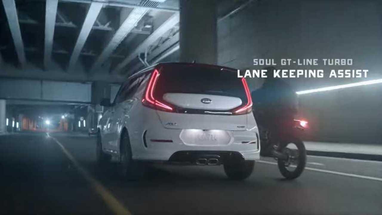 Kia Soul Lane Keeping Assist Ad Screenshot