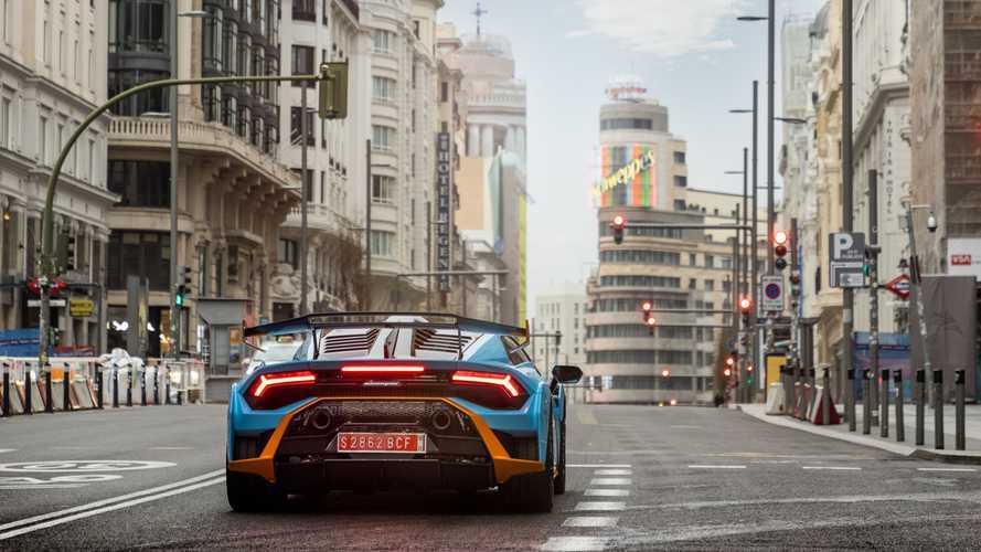 El nuevo Lamborghini Huracán STO se pasea por Madrid y Barcelona