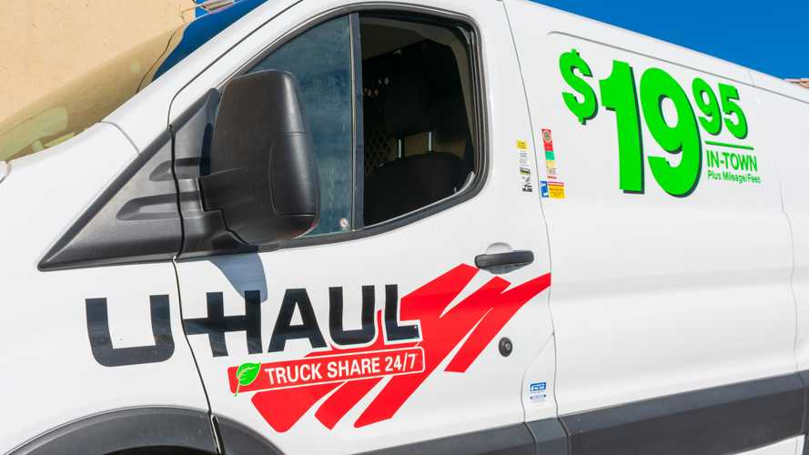 Hawaii Travelers Look To U-Haul As Rental Car Prices Spike