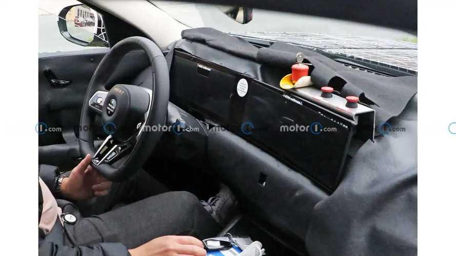2023 BMW 7 Series interior and exterior spy photos