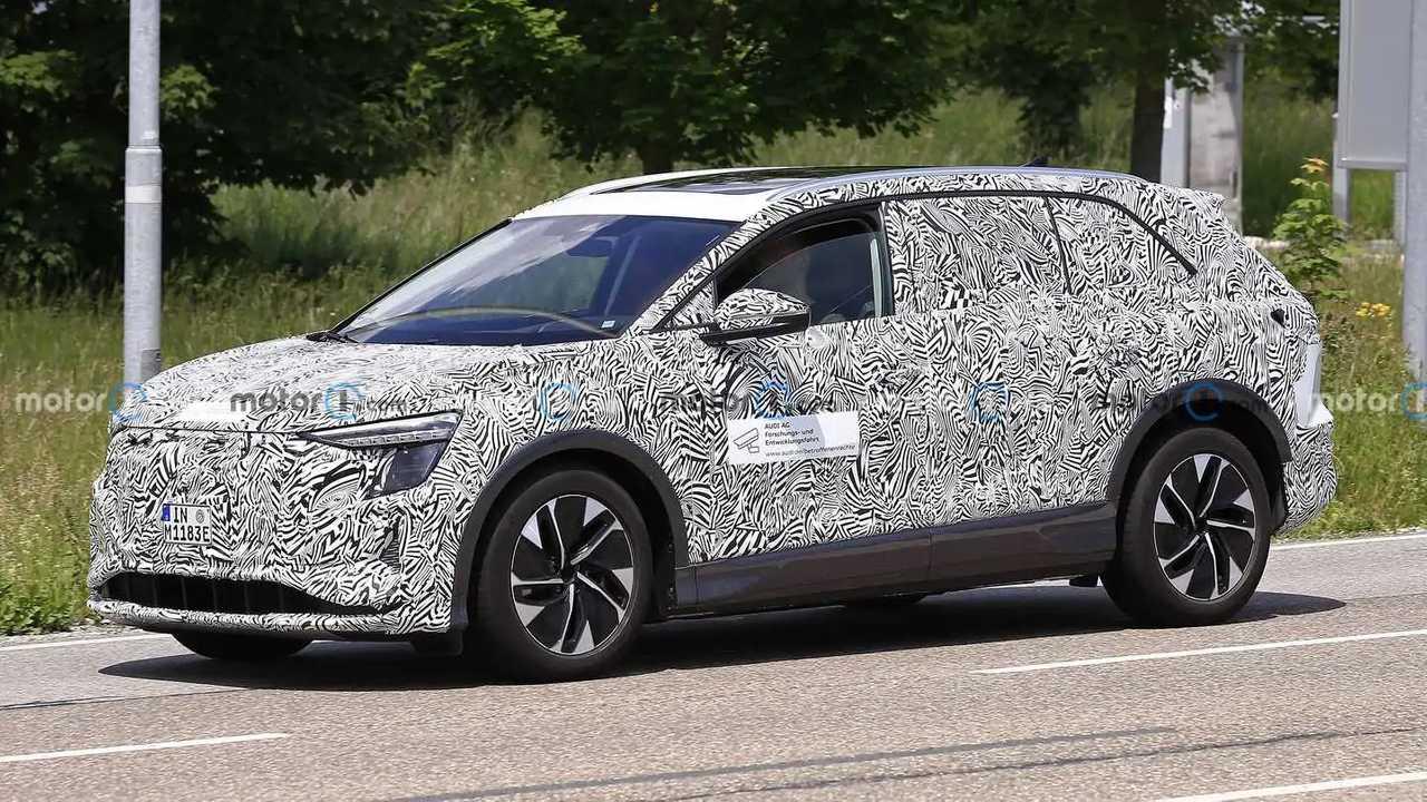 Großes Elektro-SUV von Audi als Erlkönig
