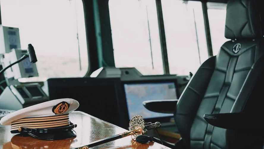 """Il sedile della DS 9 """"sbarca"""" sulla portaerei Charles De Gaulle"""
