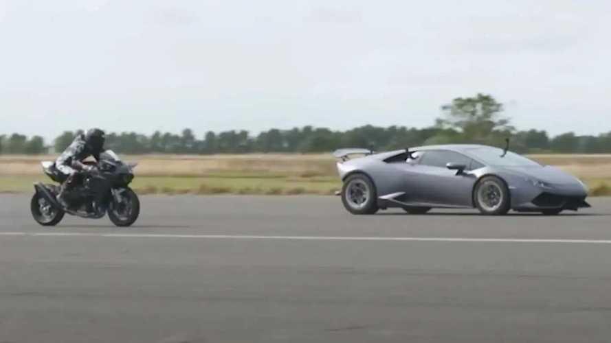 Turbolu Lamborghini Huracan, Kawasaki H2R ile yarışıyor