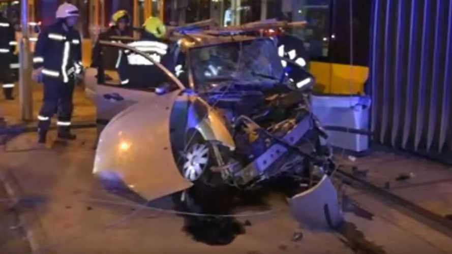 Videón egy XI. kerületi súlyos baleset mentési munkálatai
