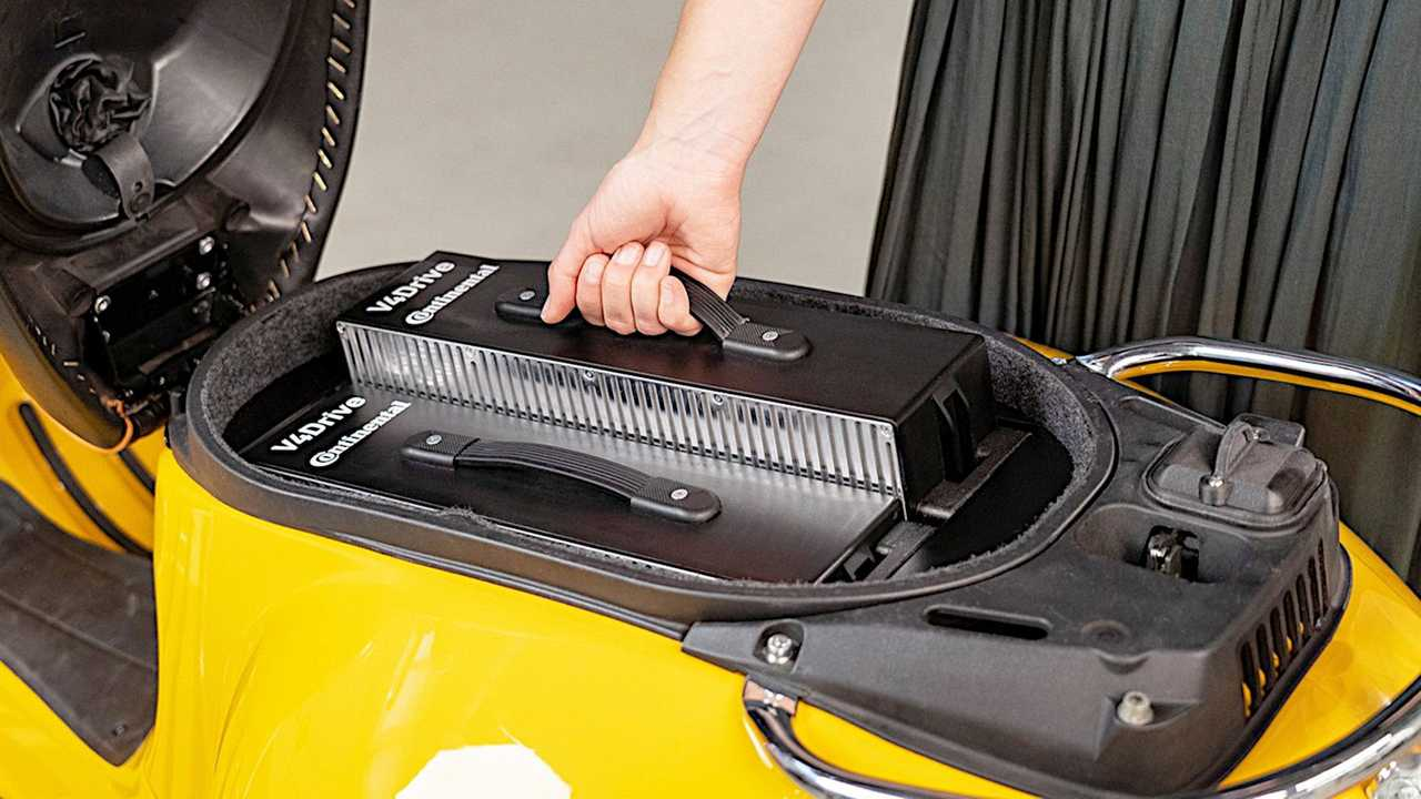 Continental and Varta V4 Drive Battery In Scoot