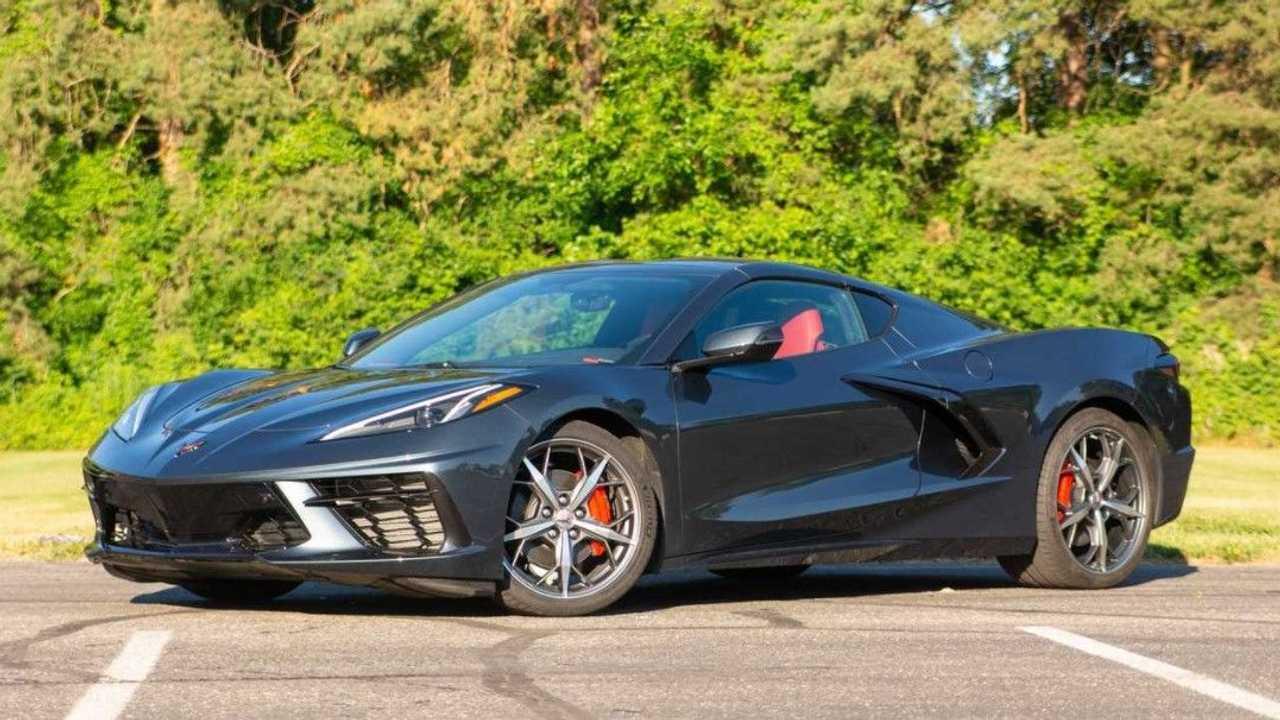 1. Chevrolet Corvette Stingray 2021