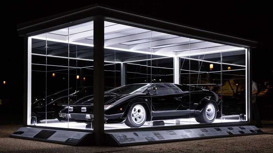 Si può entrare in biblioteca con una Lamborghini Countach?