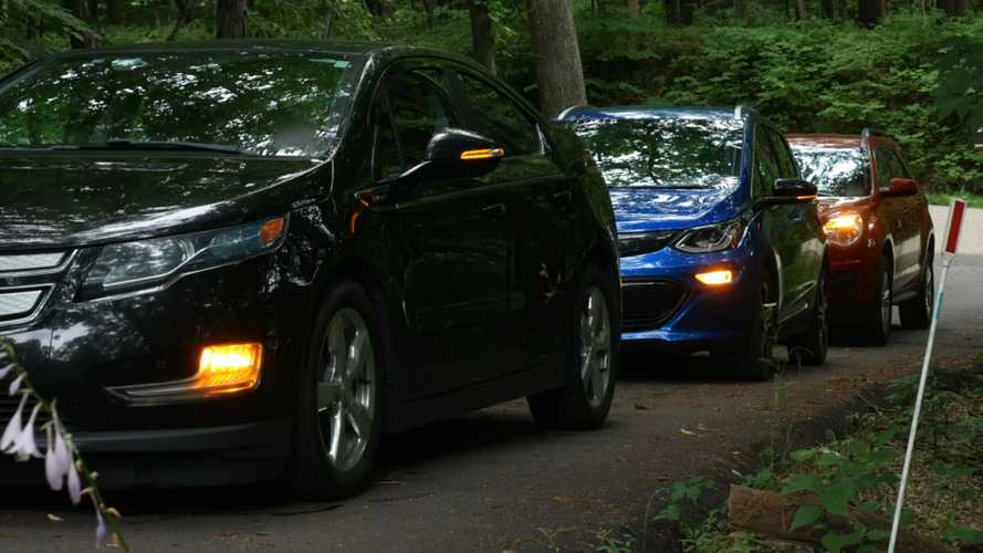 Fussy Drivers Rejoice: Synching Turn Signals Is Possible On Newer Cars