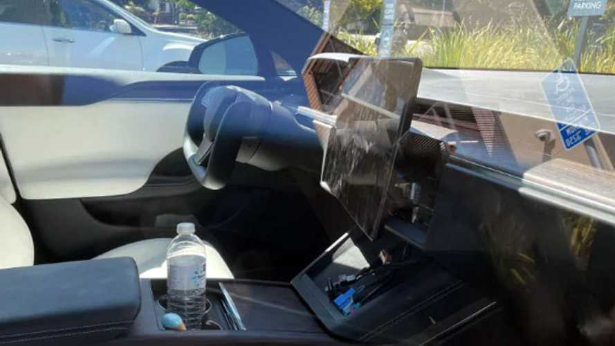 This new Tesla Model S has a tilting screen - soon in production?