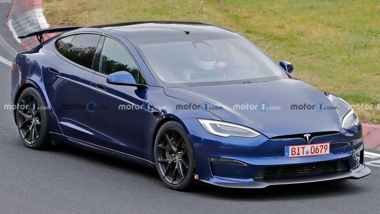 Tesla Model S Plaid spied.