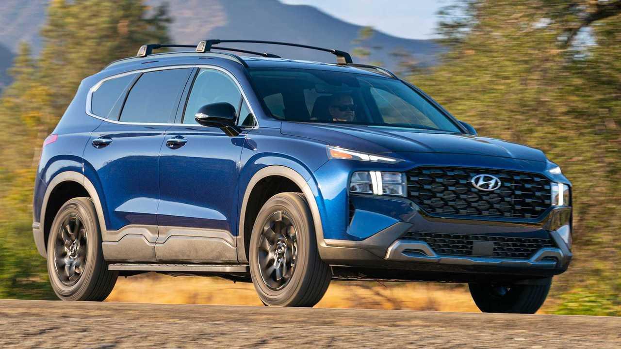 2022 Hyundai Santa Fe gets rugged XRT trim.