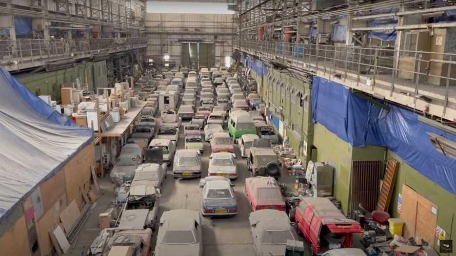 Incrível coleção de 174 carros abandonados em Londres é leiloada