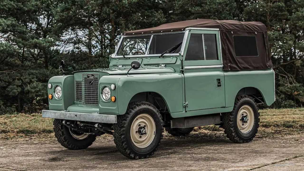 Der elektrische Land Rover Serie IIA von Everrati
