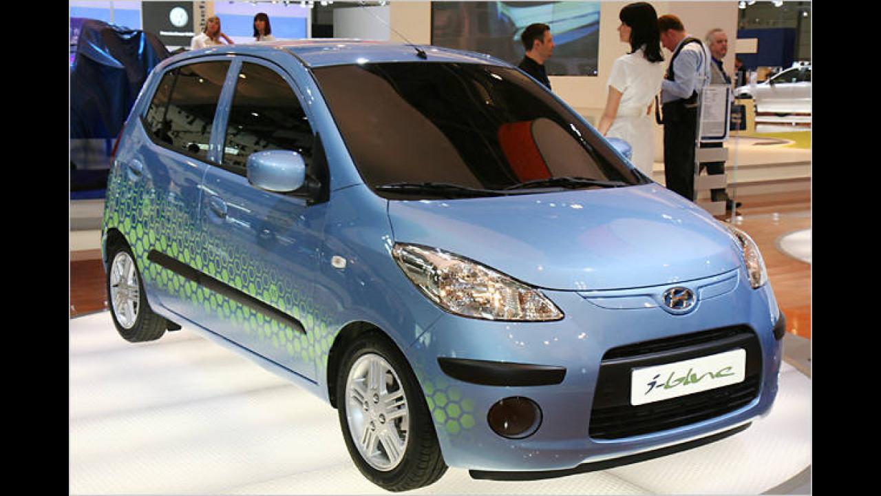 Hyundai i10 blue CNG