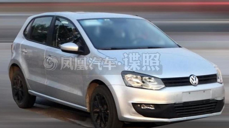 2014 Volkswagen Polo facelift spied once again without camouflage