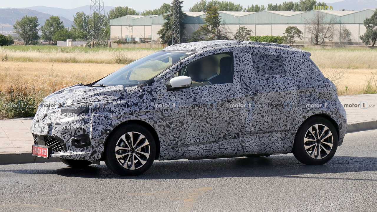 2020 Renault Zoe spy photo