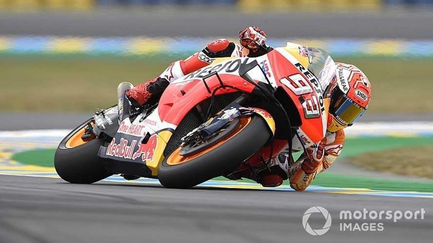 MotoGP: Márquez faz volta mais rápida e cai, mas garante pole em Le Mans