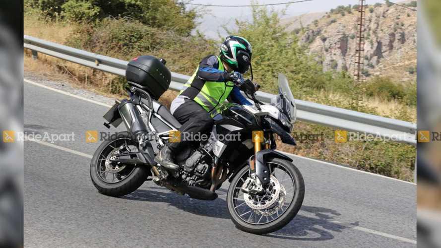 Flagra: Nova Triumph Tiger 800 2020 ficará mais