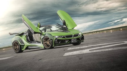 BMW i8 Roadster E.N. ARMY Edition, tan extravagante como llamativo
