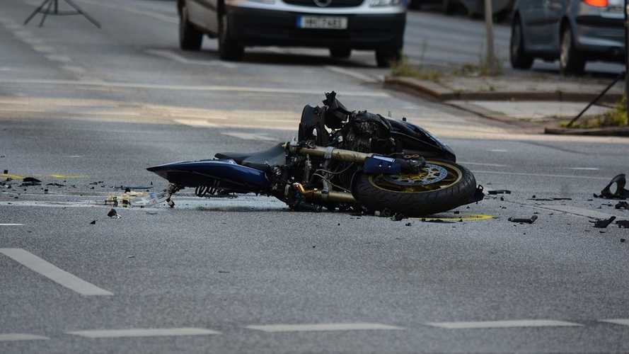 Ask RideApart: How Do I Respond To A Motorcycle Crash?