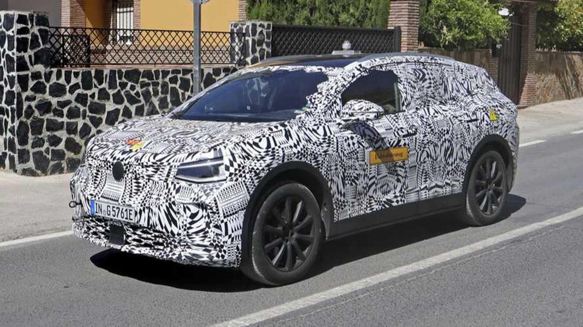 VW ID Crozz Electric Crossover SUV: Design, Release >> Volkswagen I D Crozz Electric Crossover Spotted Again In Camo