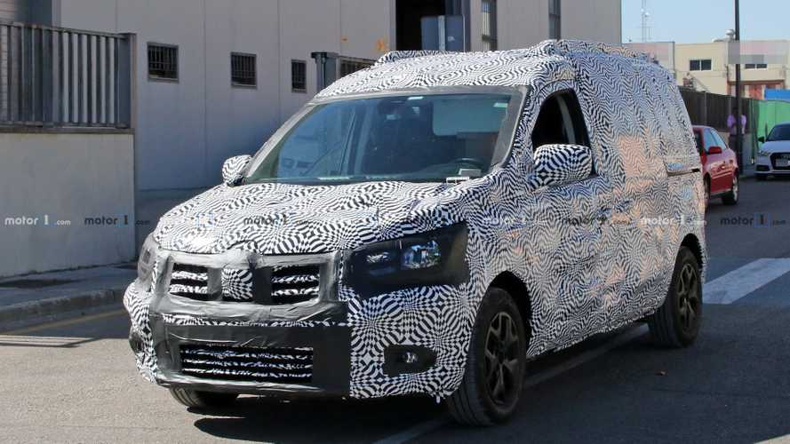 Flagra: Renault Kangoo 2020 é pego em testes pela primeira vez