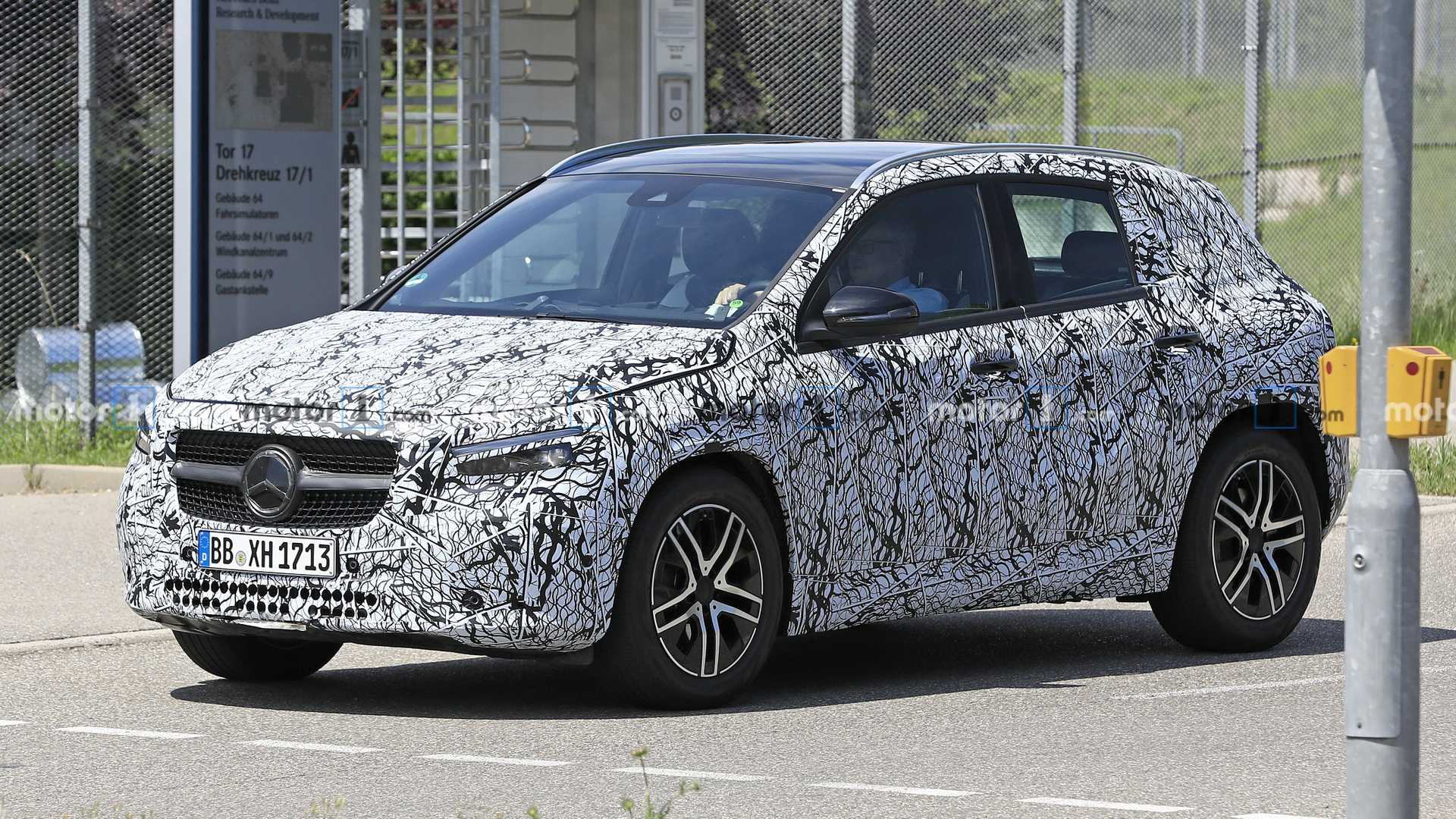 New Mercedes Benz Gla Class Spied On The Street Looking Sharp